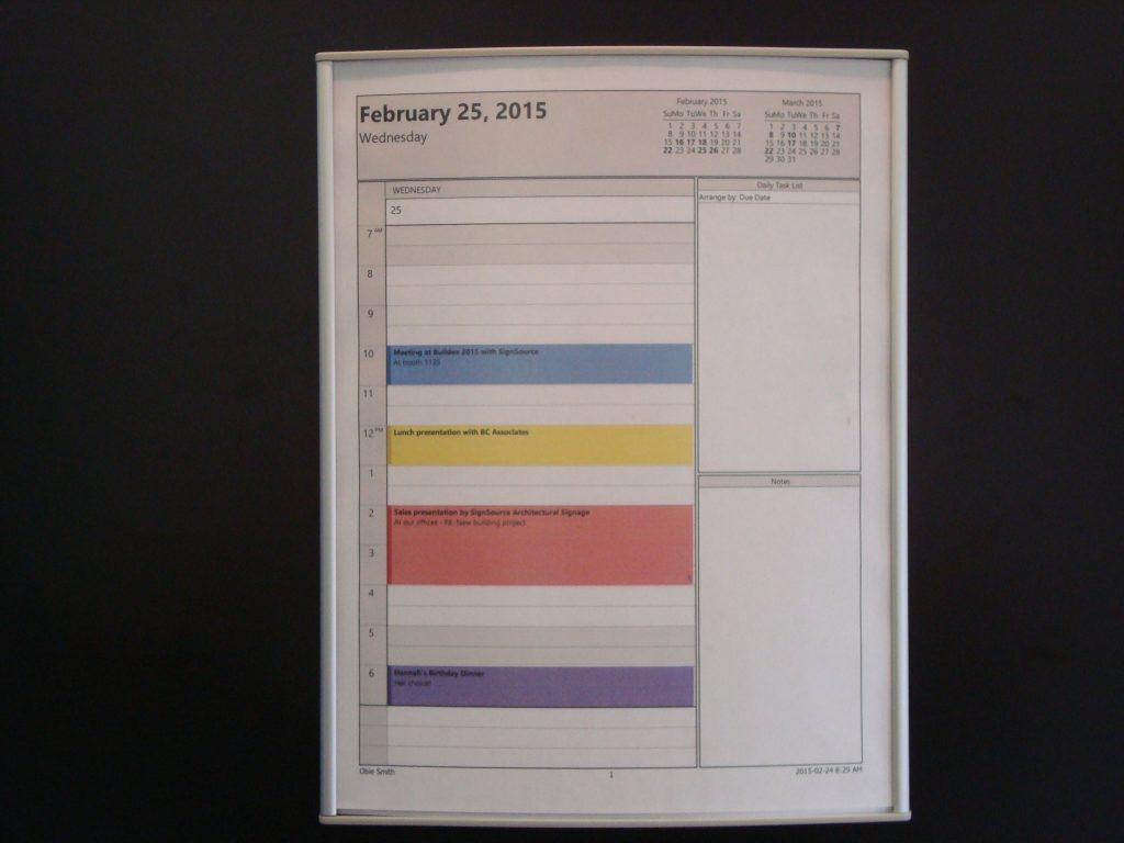 VSC8.5-11P Curved Notice Holder with Room Schedule sample