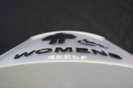 VSC150-8PWB Womens Restroom Sign curved with ADA and braille Close Up W HC